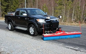 Щетка коммунальная Hilltip Sweep Away для Volkswagen Amarok